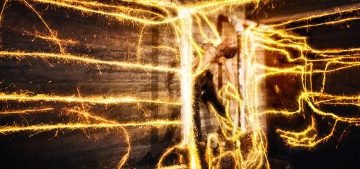 Paslaptinga ugnies magija.